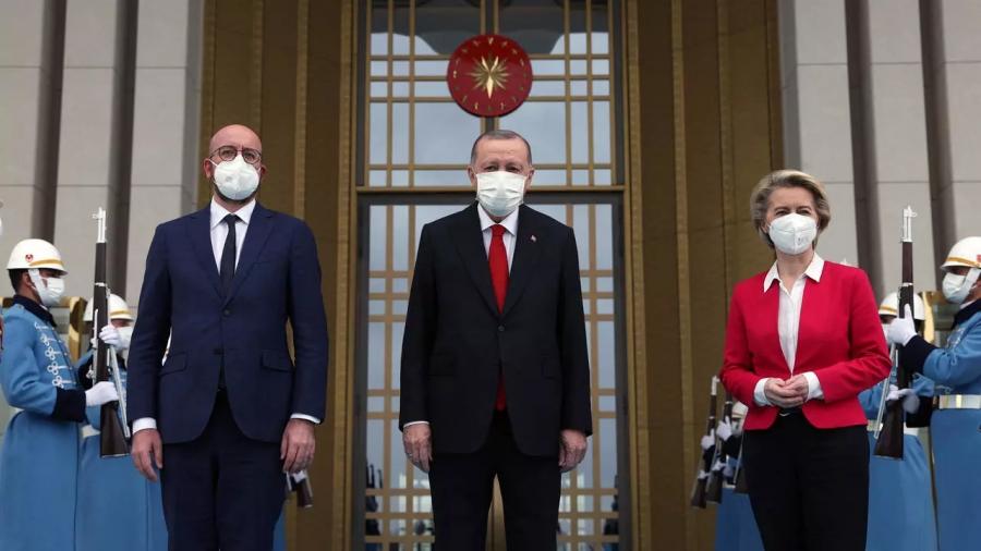 Διπλωματική αναταραχή - O Erdogan άφησε... χωρίς καρέκλα την πρόεδρο της Κομισιόν