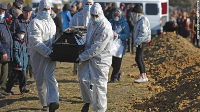 Ρωσία: Σκληρά μέτρα, ρεκόρ θανάτων λόγω covid  - Εθνική αργία μίας εβδομάδας - Περιορισμοί για τους ανεμβολίαστους