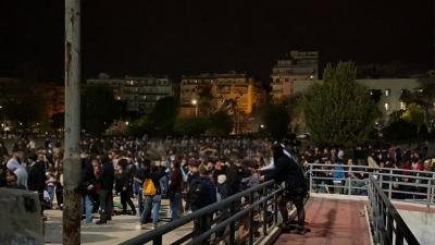Θεσσαλονίκη: Κορωνοπάρτι στο ΑΠΘ με 1000 άτομα και τις «ευλογίες» της αστυνομίας