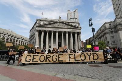 ΗΠΑ: Χιλιάδες διαδηλωτές σε αμερικανικές πόλεις για τη δολοφονία του Floyd - Trump: Πολύ μικρότερο το πλήθος στην Ουάσινγκτον