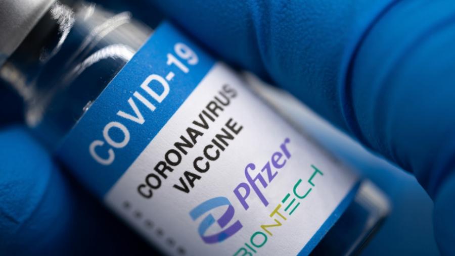 Οι ΗΠΑ θα αγοράσουν εκατομμύρια δόσεις εμβολίων της Pfizer για να τις δωρίσουν σε όλον τον κόσμο
