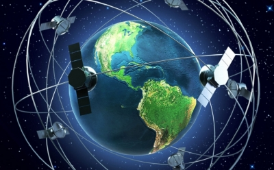 O Elon Musk (Tesla) φέρνει δορυφορικό internet σε κάθε γωνιά της Ελλάδας και… απειλεί με 10 Gbps