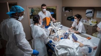 Γαλλία: Ξεπέρασαν τις 100.000 οι θάνατοι λόγω Cοvid-10 – Επιτάχυνση εμβολιασμών σε γηροκομεία