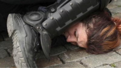 ΝΔ: Fake οι αποδείξεις δήθεν αστυνομικής βίας - Φωτογραφία από διαδήλωση στο Βέλγιο «ανέβασε» το ΠΑΜΕ