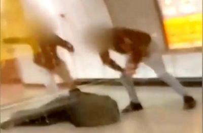 Σοκάρει ο σταθμάρχης για τον ξυλοδαρμό: Με χτυπούσαν απανωτά με γροθιές και κλωτσιές