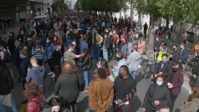 Πορεία καλλιτεχνικών σωματείων στο κέντρο της Αθήνας - Κλειστή η Σταδίου