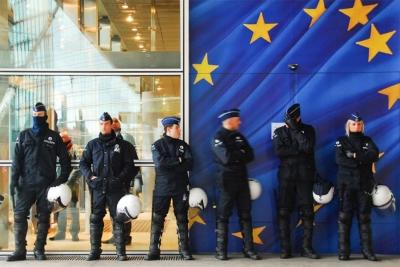 Europol: Απάτη ύψους 15 εκατ. ευρώ σε βάρος επενδυτών αποκάλυψαν οι αρχές σε 5 χώρες