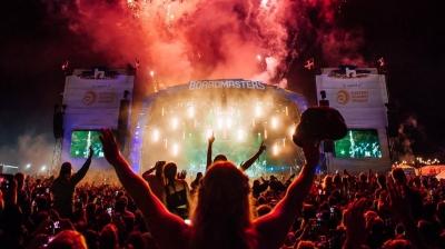 Το πείραμα απέτυχε: Πάνω από 4.000 κρούσματα συνδέονται με το Boardmasters Festival στο Ηνωμένο Βασίλειο