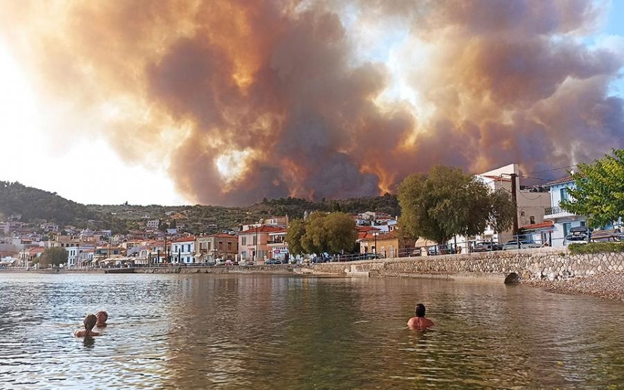 Τα 40 πύρινα μέτωπα στην Ελλάδα – Οι επτά περιοχές που βρέθηκαν σε κλοιό από 81 πυρκαγιές