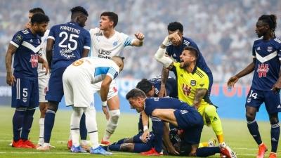 Μαρσείγ - Μπορντό: Σκηνές Έρικσεν στη Γαλλία - Κατέρρευσε στο γήπεδο ο Σάμουελ Καλού