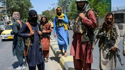 Γερμανία: Οι Taliban εμποδίζουν τους Αφγανούς να φτάσουν στο αεροδρόμιο της Καμπούλ