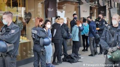 Κατάληψη του ελληνικού προξενείου στο Βερολίνο από «αλληλέγγυους» στον Κουφοντίνα