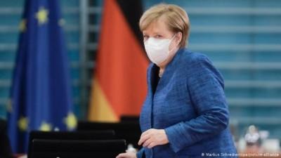 Πιέσεις από πολιτικούς και επιστήμονες δέχεται η Merkel για παράταση του lockdown