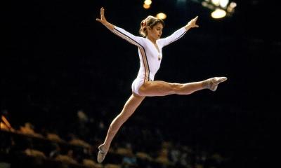 Νάντια Κομανέτσι: Η θρυλική γυμνάστρια απολαμβάνει πλέον το χόμπι της στα γήπεδα του… Roland Garros!