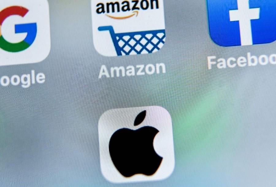 Η Facebook κηρύσσει πόλεμο στην Apple - Σφαγή στην Big Tech για τα προσωπικά δεδομένα