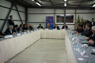 Στη Δυτική Αττική ο Τσίπρας - Σύσκεψη με τους υπουργούς, δημάρχους και την περιφερειάρχη Αττικής