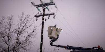 ΔΕΔΔΗΕ: Σε Β. Αττική, Σποράδες, Εύβοια και χωριά της Ηπείρου τα προβλήματα ηλεκτροδότησης