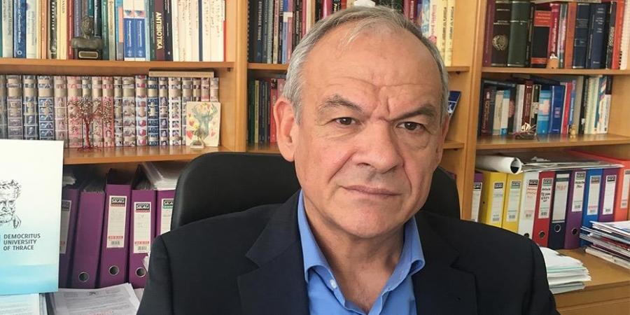 Μανωλόπουλος: Η Επιτροπή μπέρδεψε τον κόσμο με το εμβόλιο της AstraZeneca