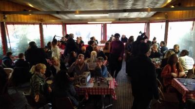 Αντιδρούν οι Γάλλοι: Άνοιξε κανονικά εστιατόριο, αψηφώντας τα μέτρα για τον κορωνοϊό