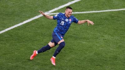 Πολωνία – Σλοβακία: Απίστευτο «σόλο» από Μακ για το 1-0 της Σλοβακίας (video)