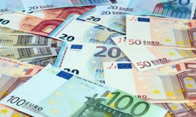 Οι προεδρικές εκλογές στις ΗΠΑ και κορωνοϊός ενισχύουν το ευρώ