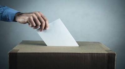 Ο πόλεμος «σκανδάλων» φέρνει νωρίτερα την εκλογική αναμέτρηση – Σε επιφυλακή τα επιτελεία κυβέρνησης και ΣΥΡΙΖΑ