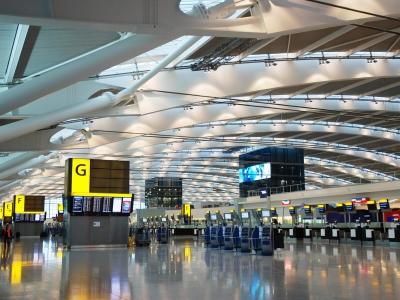 Βρετανία: Βουτιά 73% για την επιβατική κίνηση στο αεροδρόμιο του Heathrow το 2020