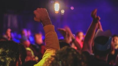 Πρόστιμα - μαμούθ για το κορωνοπάρτι στην Πάτρα - Συνολικά 47.000 ευρώ θα πληρώσουν οι 98 συμμετέχοντες