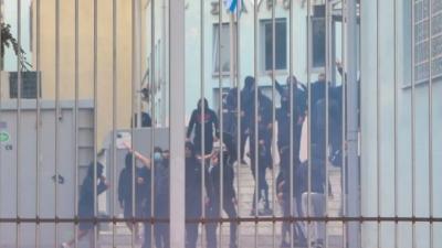 Άγρια επεισόδια στα ΕΠΑΛ της Σταυρούπολης - Παρέμβαση εισαγγελέα ζητά η Κεραμέως - Τρεις συλλήψεις, δύο τραυματίες