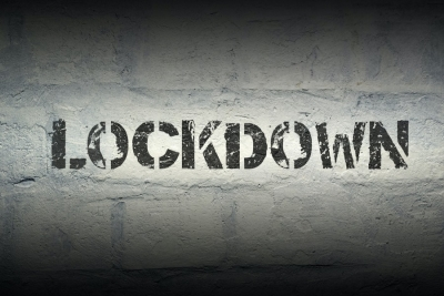 Η επιστροφή των περιοριστικών μέτρων εν μέσω καλοκαιριού  – Ποιες άλλες περιοχές κινδυνεύουν με lockdown