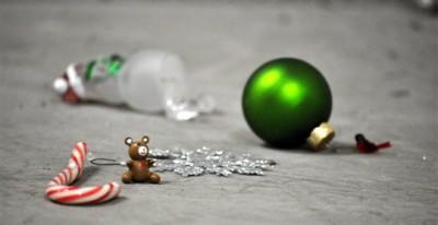 Στον αέρα o Χριστουγεννιάτικος τζίρος - Ρωγμές στα κυβερνητικά σχέδια - Έλλειμμα και ύφεση σε συναγωνισμό