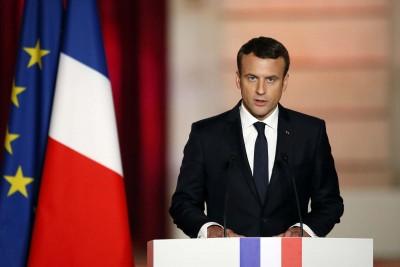 Macron: Η Γαλλία ανυποχώρητη απέναντι στον ρατσισμό αλλά δεν θα αποκαθηλώσει αγάλματα