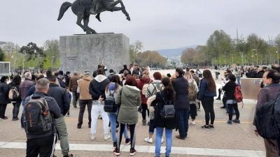Θεσσαλονίκη: Συγκέντρωση διαμαρτυρίας για τα εμβόλια και τη διενέργεια self tests στα σχολεία