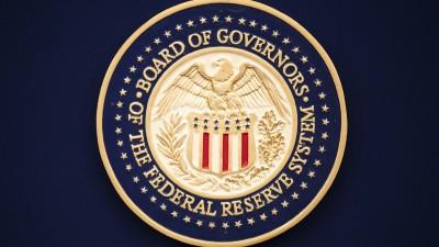 Ισχυρή δέσμευση από Fed να χρησιμοποιήσει το πλήρες φάσμα των εργαλείων της