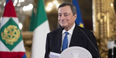 Draghi (Ιταλία): Σε δύο μήνες βγαίνουν οι μάσκες - Προσπάθειες να πειστούν οι αρνητές να εμβολιαστούν