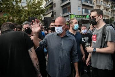 ΕΔΕ για τον αστυνομικό που εξύβρισε τον Βαρουφάκη στο Εφετείο