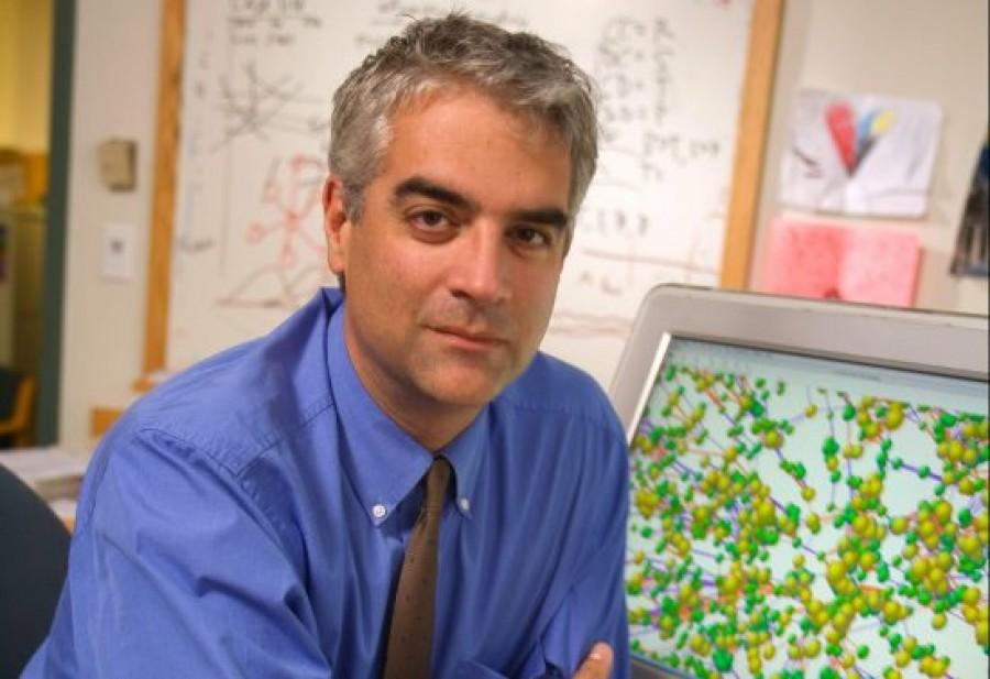 Χρηστάκης (Yale): Πιο ήπιο το γ' κύμα κορονοϊού λόγω εμβολίων - Nα το πάρουν σοβαρά oι Έλληνες, να είναι πιο φρόνιμοι