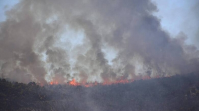 Φωτιά στα Βίλια, ημέρα 5η - Ανυπολόγιστες οι καταστροφές - Προς το όρος Καντήλι Μεγάρων, η φωτιά - Πυρκαγιά και σε Λαυρεωτική
