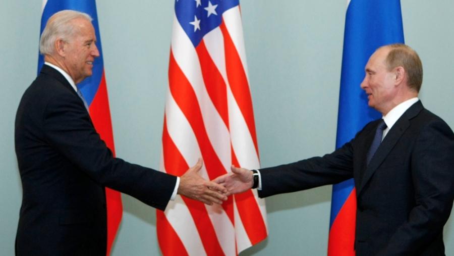Putin: Αβάσιμες και παράλογες οι μομφές για  ρωσικές ευθύνες πίσω από τις κυβερνοεπιθέσεις πριν από την συνάντηση με Biden (16/6)