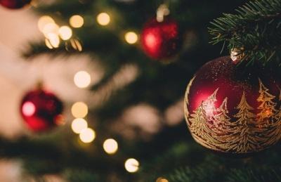 Σε εορταστικούς ρυθμούς η αγορά - Το ωράριο των καταστημάτων μέχρι την Πρωτοχρονιά