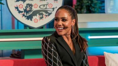 Alex Scott: Η πρώτη αγγλόφωνη γυναίκα σχολιαστής στο FIFA 2022