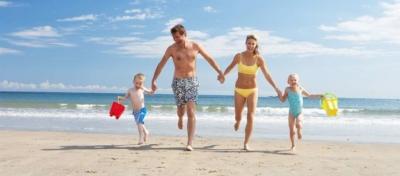 Οι διακοπές των Βρετανών θα παραταθούν έως το φθινόπωρο