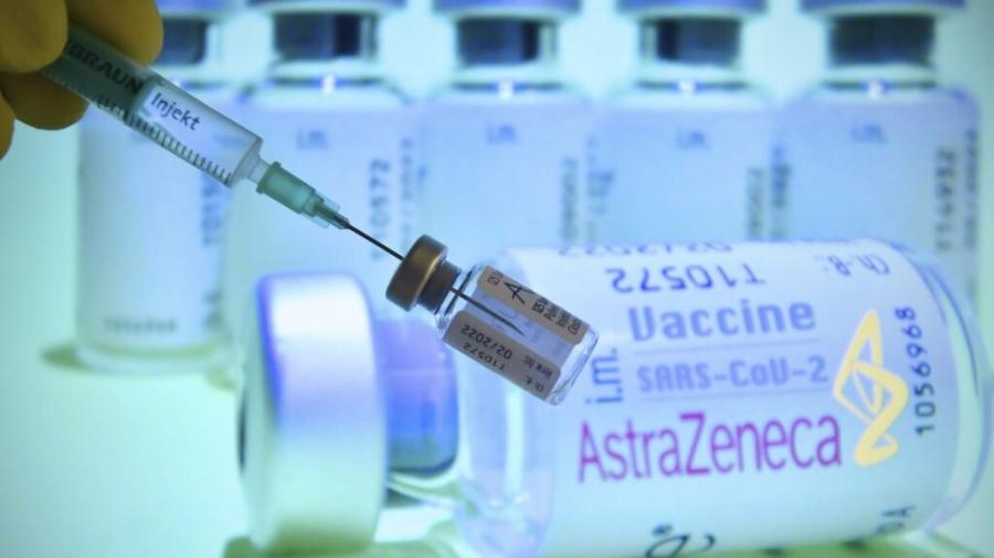 Στον αέρα ο εμβολιασμός κατά του κορωνοϊού - Αντικρουόμενες πληροφορίες για τη συνάντηση AstraZeneca με ΕΕ