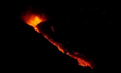 Εντυπωσιακές εικόνες από την έκρηξη του ηφαιστείου στη La Palma