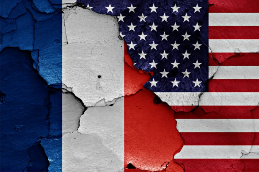 Στα άκρα η Γαλλία: Σοβαρή η κρίση με τις ΗΠΑ, θα έχει επιπτώσεις και στο ΝΑΤΟ – Καιροσκόποι οι Βρετανοί