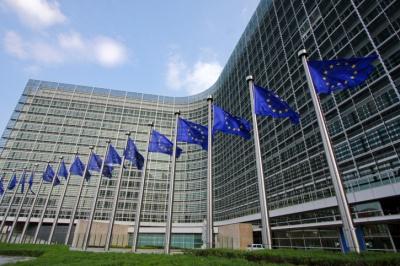 Κομισιόν: Τόνισε την ανάγκη να ανοίξουν ξανά τα σύνορα Σένγκεν, αμέσως μόλις τεθεί υπό έλεγχο η πανδημία του κορωνοϊού