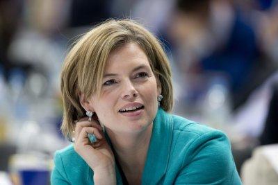 Kloeckner (CDU): Οι συνομιλίες με το SPD για τον Μεγάλο Συνασπισμό δεν θα αρχίσουν πριν το 2018