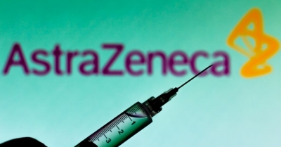 EE: Η AstraZeneca να φέρει στην Ευρώπη εμβόλια από τα εργοστάσιά της στη Βρετανία