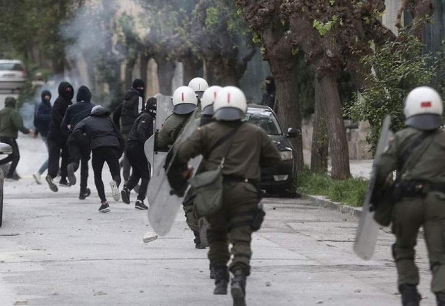 Πρωθυπουργός Σκοπίων: Προβοκάτσιες κατά της Ελλάδας οι τοποθετήσεις ανδριάντων από τον Gruevski