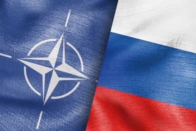 Σε τεντωμένο σχοινί οι σχέσεις Δύσης και Ρωσίας –  «Κόκκινες γραμμές» θέτει  ο Macron, με αντίποινα προειδοποιεί η Μόσχα